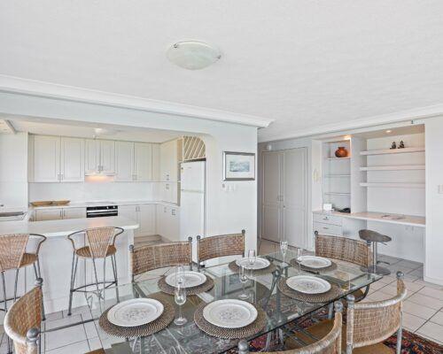 Gold-Coast-2-bedroom-ocean-view-apartments-room-77 (11)