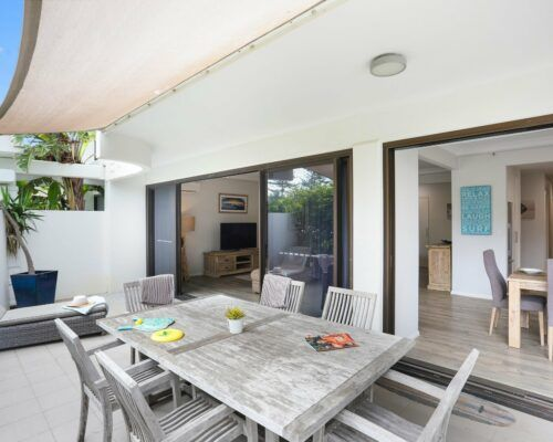 Gold-Coast-3-bedroom-family-garden-view-apartments-room-3 (1)