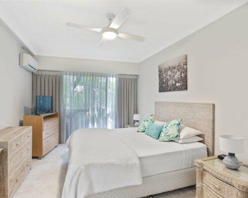 Gold-Coast-3-bedroom-family-garden-view-apartments-room-3 (3)