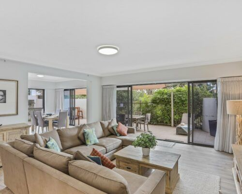 Gold-Coast-3-bedroom-family-garden-view-apartments-room-3 (4)