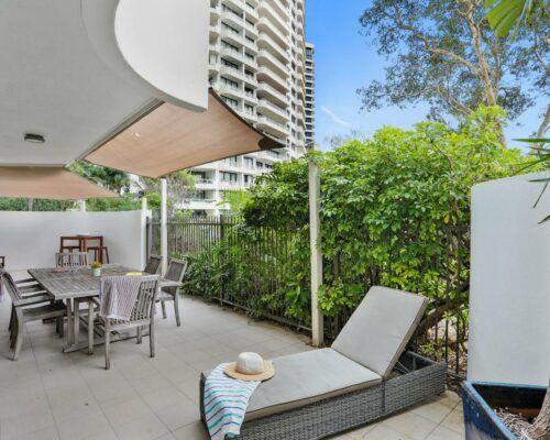 Gold-Coast-3-bedroom-family-garden-view-apartments-room-3 (6)