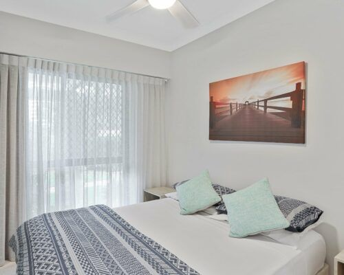 Gold-Coast-3-bedroom-family-garden-view-apartments-room-3 (9)
