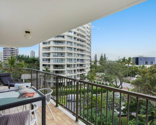 Gold-Coast-3-bedroom-mariner-view-apartments-room-15 (2)