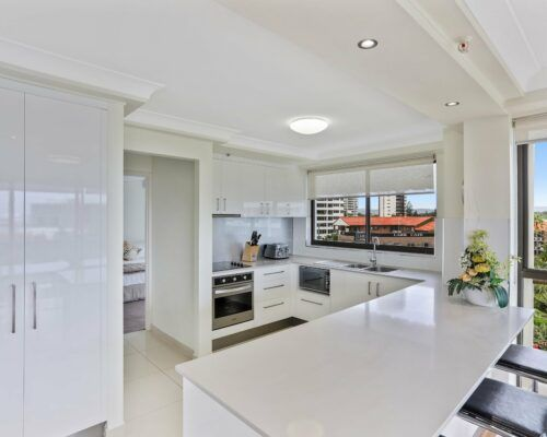 Gold-Coast-3-bedroom-mariner-view-apartments-room-15 (7)