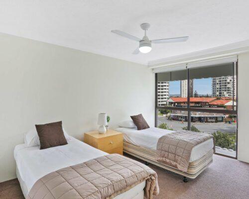 Gold-Coast-3-bedroom-mariner-view-apartments-room-15 (8)