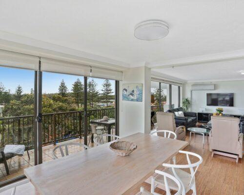 Gold-Coast-3-bedroom-mariner-view-apartments-room-15 (9)