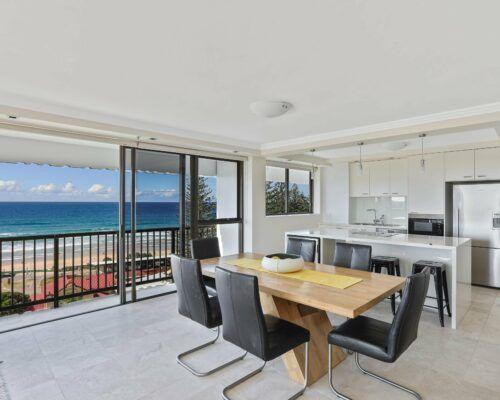 Gold-Coast-executive-2-bedroom-apartments-room-34 (2)