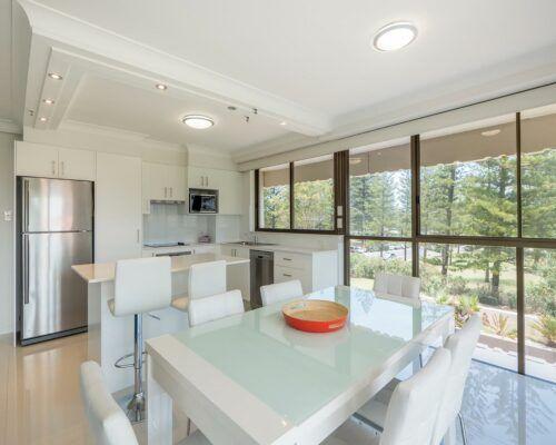 Gold-Coast-superior-1-bedroom-apartments (4)