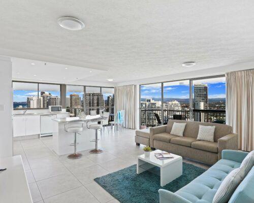 Gold-Coast-superior-1-bedroom-apartments-room-87 (1)