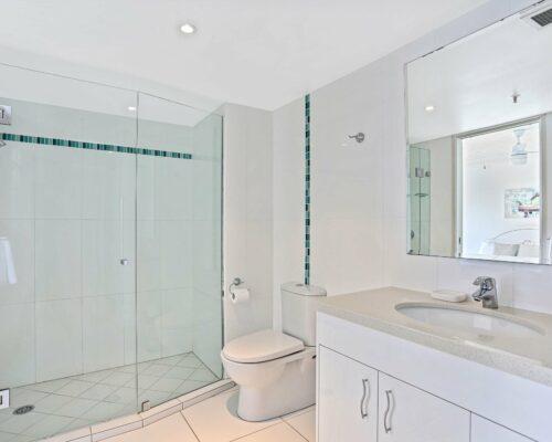 Gold-Coast-superior-1-bedroom-apartments-room-87 (5)