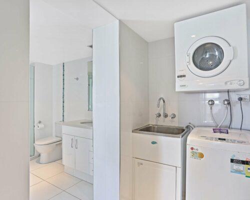 Gold-Coast-superior-1-bedroom-apartments-room-87 (6)