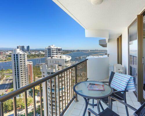 Gold-Coast-superior-1-bedroom-apartments-room-99 (1)