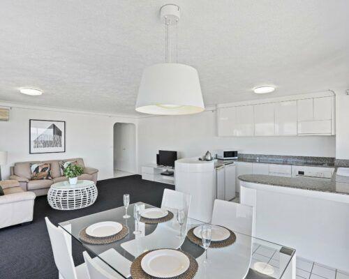 Gold-Coast-superior-1-bedroom-apartments-room-99 (5)