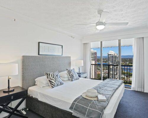 Gold-Coast-superior-1-bedroom-apartments-room-99 (6)