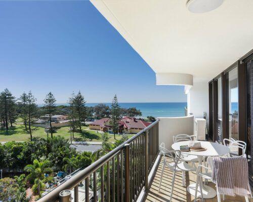 Gold-Coast-superior-3-bedroom-apartments-room-23 (7)