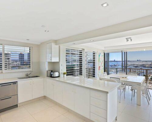 Gold-Coast-superior-3-bedroom-apartments-room-47 (1)