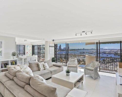 Gold-Coast-superior-3-bedroom-apartments-room-47 (5)